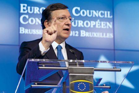Presa straina ACUZA: Barroso isi ajuta prietenii cu miliarde de euro de la Comisia Europeana